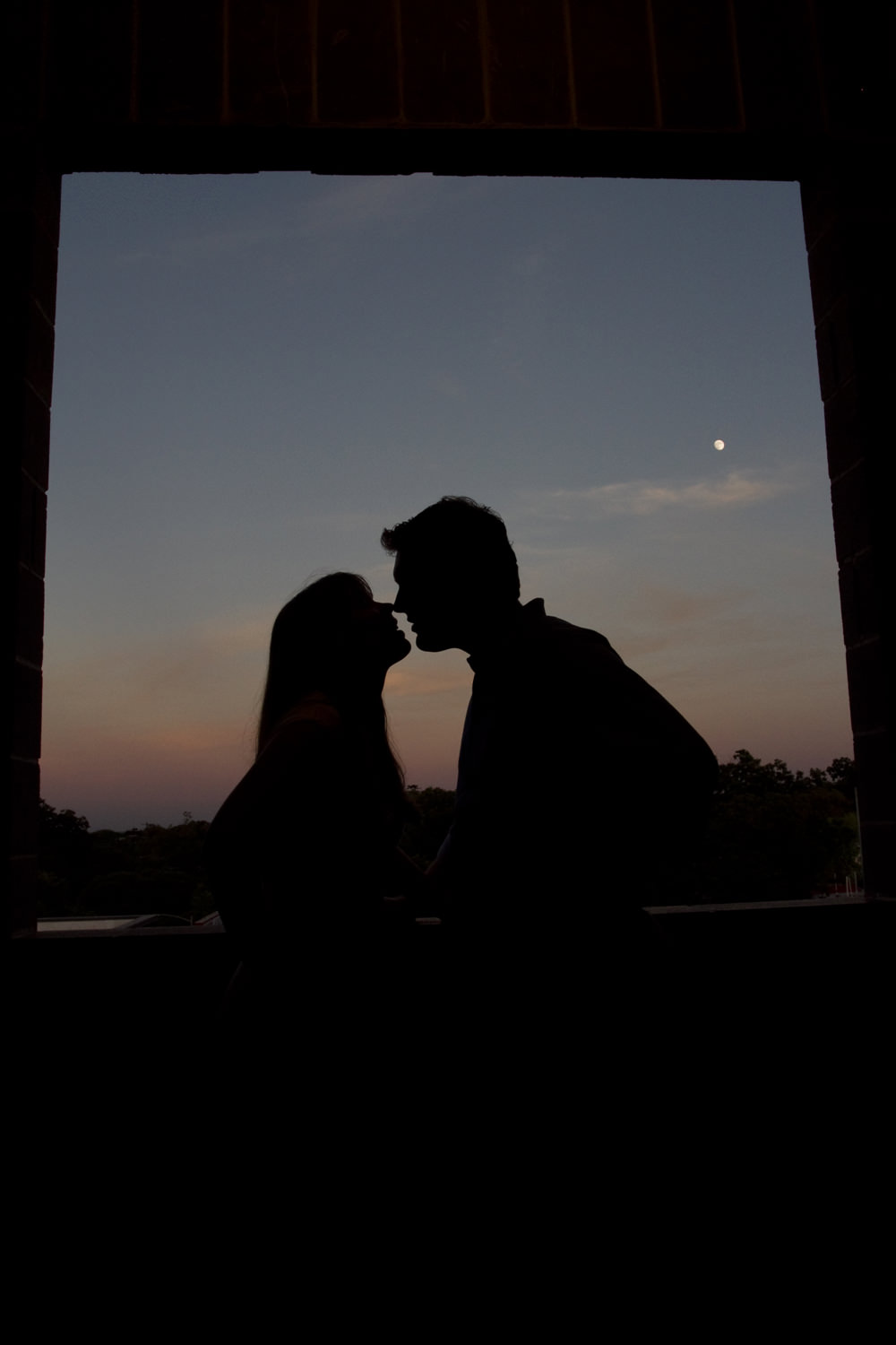 Kissing Silhouette Photography